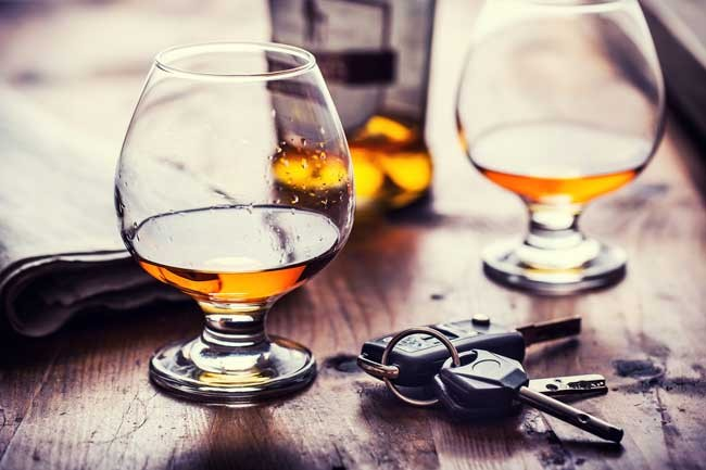 Cook County DUI Lawyers. Drinks & keys on table