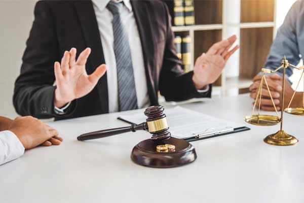 Guide to Divorce Mediation in Illinois