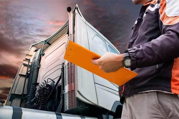 Penalty for Driving a Commercial Vehicle Without a CDL